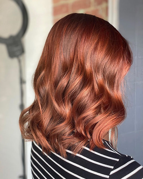 Medium Wavy Hair Women