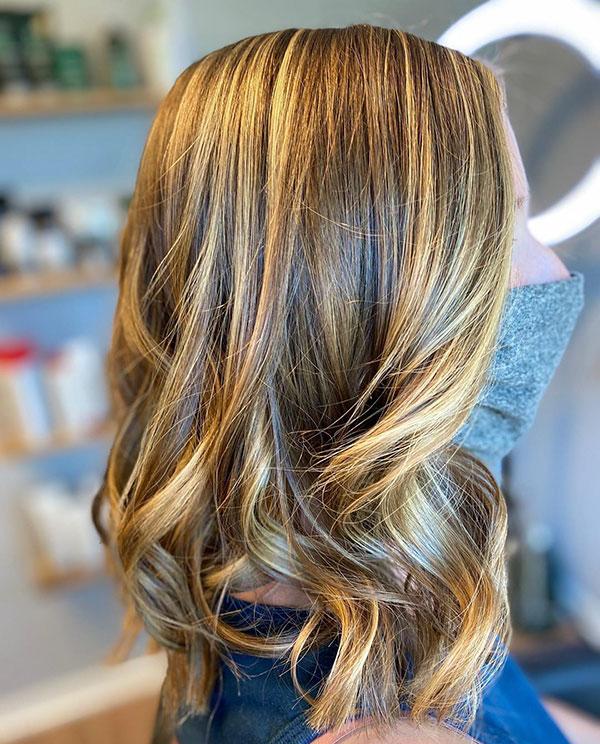 Unique Medium Haircuts For Girls