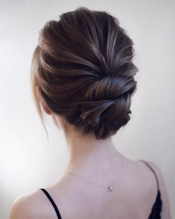 Medium Hair Bun Hairstyles
