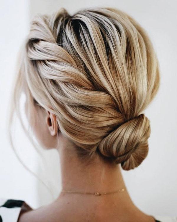 Hair Bun Styles For Medium Hair