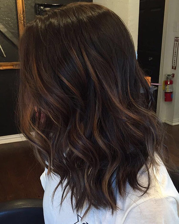 Medium Brown Hairstyles With Highlights